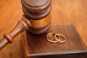 arizona divorce lawyers rings gavel